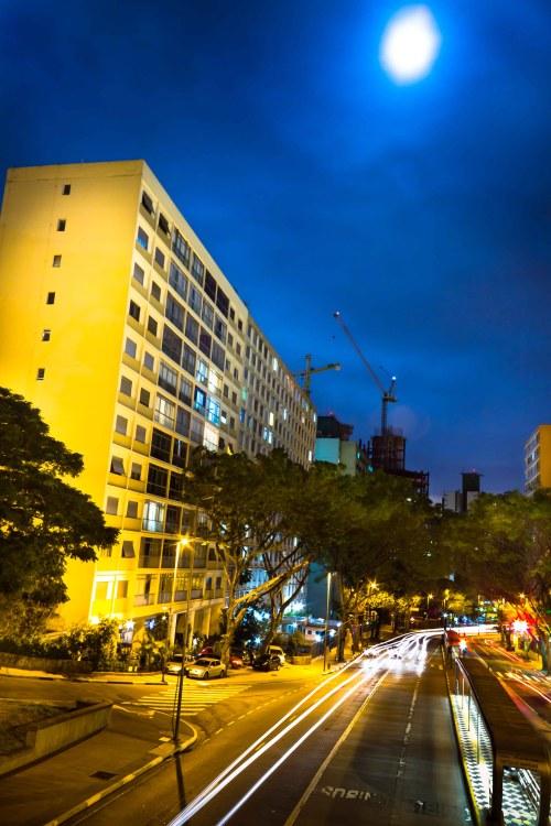 A luz da lua na rua de luz | São Paulo | Junior Amojr