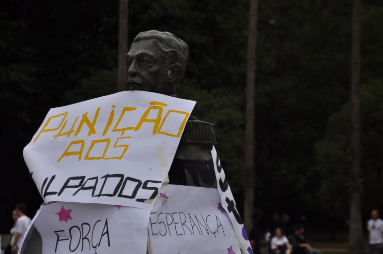 Punição | Porto Alegre | Gabriela Canale