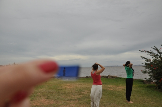 blue glass and a landscape | Guaíba | gabriela Canale