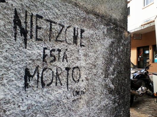 Nietzsche está Morto (deus) | Vitória | Gabriela Canale