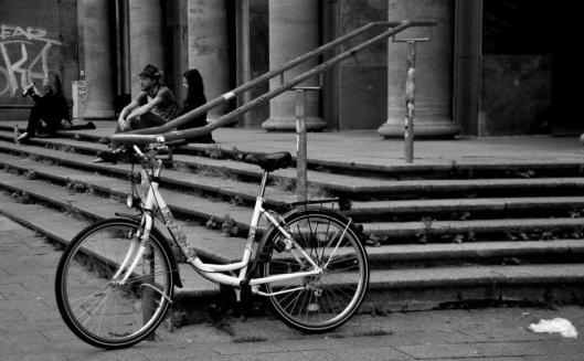 escadaria para descansar | Berlim | Gabriela Canale