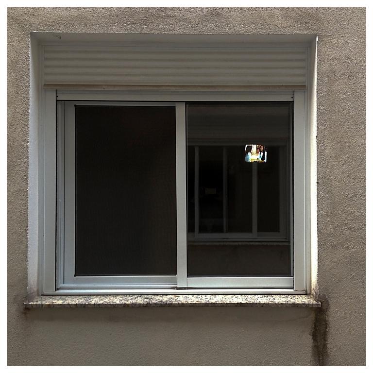 window _TV    London   R.Cambusano