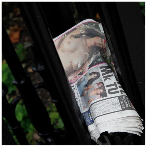 naked_news | London | R.Cambusano
